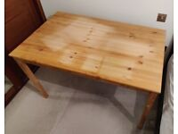 (Free to pick up) Oakwood table.