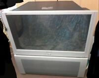 great condition 47 inch Panasonic tv with attached speaker