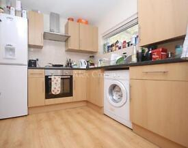 2 bedroom flat in Brecknock Road, Camden Town