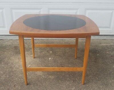 Paul McCobb Signature Line Mid Century Modern Side Lamp Table