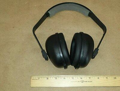 Tasco Blackhawk 2700 Black Ear Muff Hearing Protection Nrr 27db Over-the-head