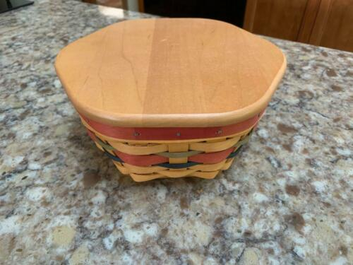 """Longaberger 2001 Branch Award 8"""" Generations Basket w/Lid and Protector"""