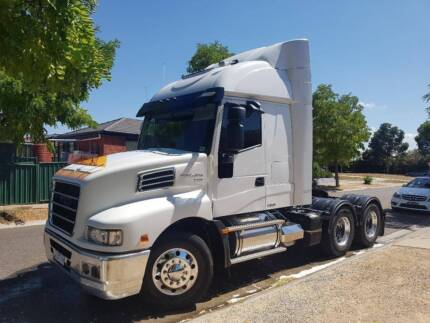 Iveco powerstar prime mover cat c12 trucks gumtree australia 2014 iveco powerstar 6400 prime mover6x4 only 101000km fandeluxe Choice Image