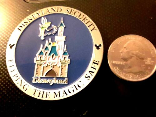 RARE DISNEY SECURITY PANDEMIC QUARINTINE KEEP THE MAGIC SAFE CHALLENGE COIN
