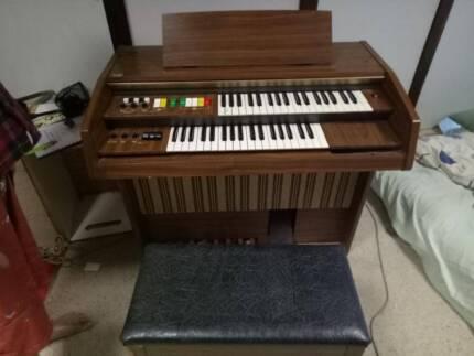 kawai E-60 organ