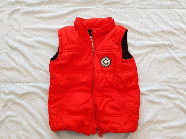 8997c8f2d1 Boys   Lc Waikiki Puffer Vest  size 24-36 M