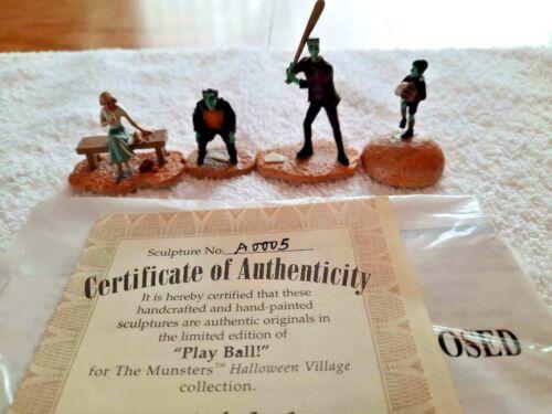 "Hawthorne Village "" PLAY BALL "" Accessory Set 4 FIGURES ! UNBELIEVABLE ! W@W"