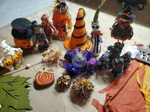 Lot of 24 High End Halloween Decorations Rats, Witch, Pumpkins Ghost Decor