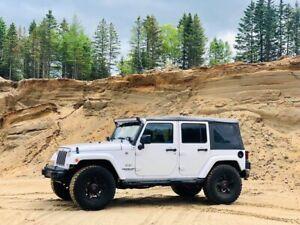 Jeep wrangler unlimited sahara 2017