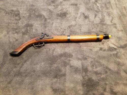 VINTAGE BLACK POWDER FLINTLOCK STYLE WOODEN TOY CAP GUN PISTOL MUSKET - 1940