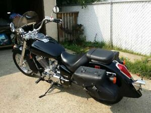 VT750 Honda Shadow 2008 Low km.  2600 km only!!