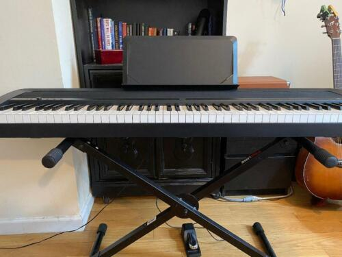 Korg B1 88 Key Digital Piano Enhanced Speakers + Stand + Sus Pedal Mint Condit