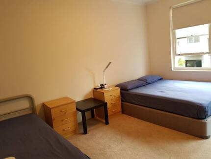 SPACIOUS ROOM FOR RENT IN KINGSFORD
