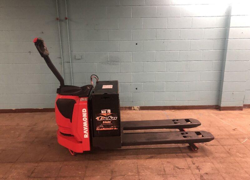 2017 Raymond 8310 Walk Behind Electric Pallet Jack. 6klb Lift. Batt/Charger Inc.