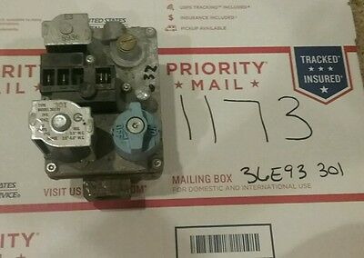 Used HVAC Parts! White Rodgers 36E93 301 Carrier EF 32CW 183 Gas Valve