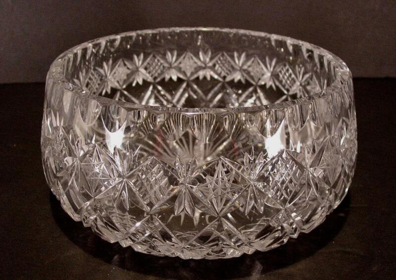 BEAUTIFUL DIAMOND CUT LEAD CRYSTAL BOWL LARGE HEAVY 4 1/2 LBS. 8""