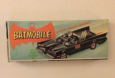 VINTAGE Model Kit - Batmobile - Aurora 1966