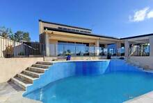 HOLIDAY HOME - 6 BEDROOM WATERFRONT HOME ROBINA FROM $175 PN Robina Gold Coast South Preview