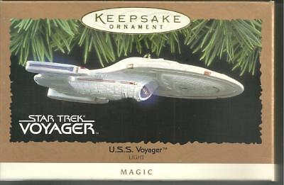 1996 STAR TREK Voyager Hallmark Xmas Tree Ornament -Lights Up!! NEW in Orig Box!