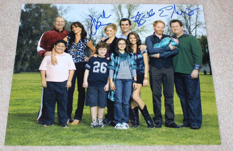MODERN FAMILY CAST SIGNED AUTHENTIC 11X14 PHOTO COA X3 BOWEN BURRELL STONESTREET