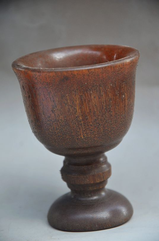 EXQUISITE CHINESE  100% OX HORN HAND CARVED CUPS
