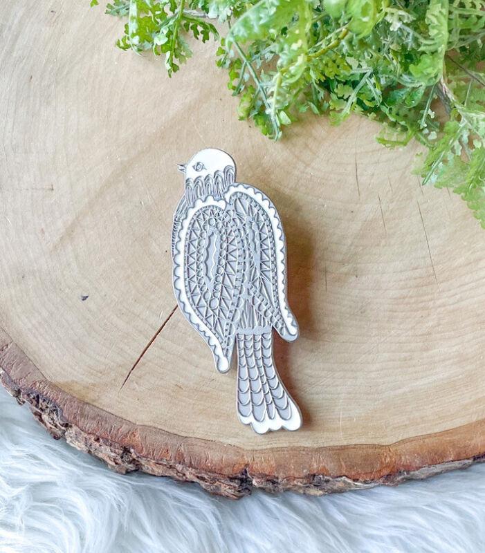 VTG Neiman Marcus Parrot Bird Silver White Enamel Scarf Clip Barrette Brooch Pin