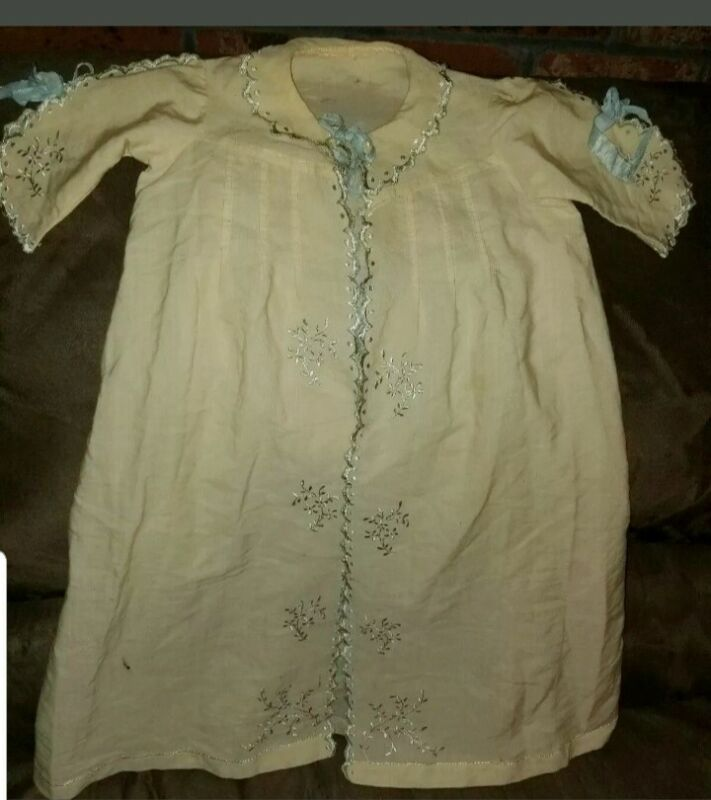 Antique Victorian christening GOWN baby~doll Embroidered SCALLOP EDGES-PIN TUCKS