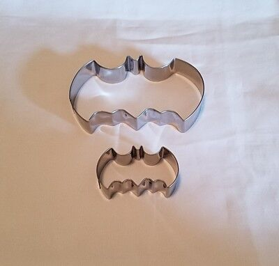 Batman Bat Symbol Cookie Cutter 2pc Set for Halloween
