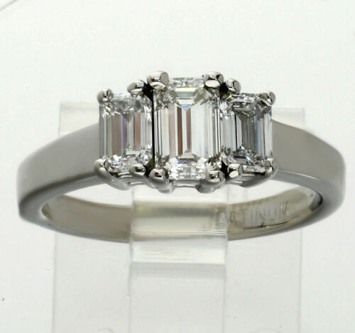 Vvs2 Platinum Diamond 3 Stone Engagement Ring Emerald Cuts 1.50ct 8.1gram Size 7