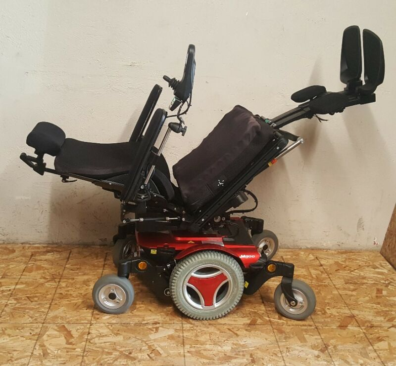 PERMOBIL M300 WHEELCHAIR WITH POWER TILT,RECLINE, LEFT LEG, RIGHT LEG