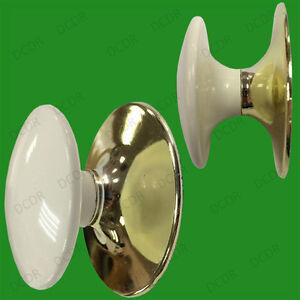 4-X-35mm-Plastica-Bianco-amp-Effetto-Ottone-Armadietto-Armadio-Maniglie