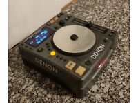 Table top CD player