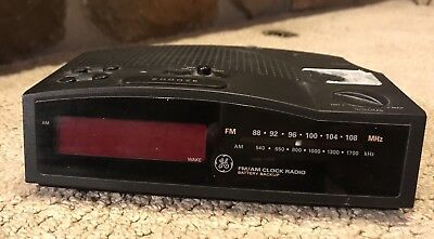 GE General Electric 7-4813 B Digital Red LED AM/FM Alarm Clock Radio - Great