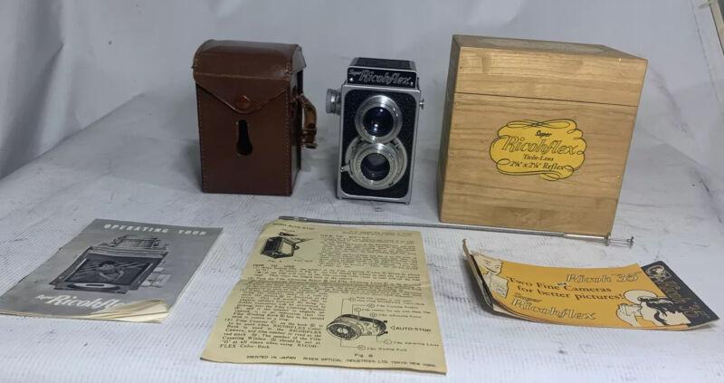 "SUPER RICOHFLEX 2 1/4"" X 2 1/4"" MEDIUM FORMAT 120mm Camera W/Manual, Case, Box"