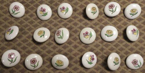 """Vtg 1960s JHB International Metal White Porcelain Alpine Flower BUTTONS 3/4"""""""