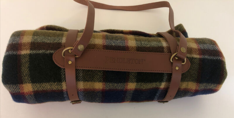 Pendleton Motor Robe Plaid Blanket With Leather Carrier