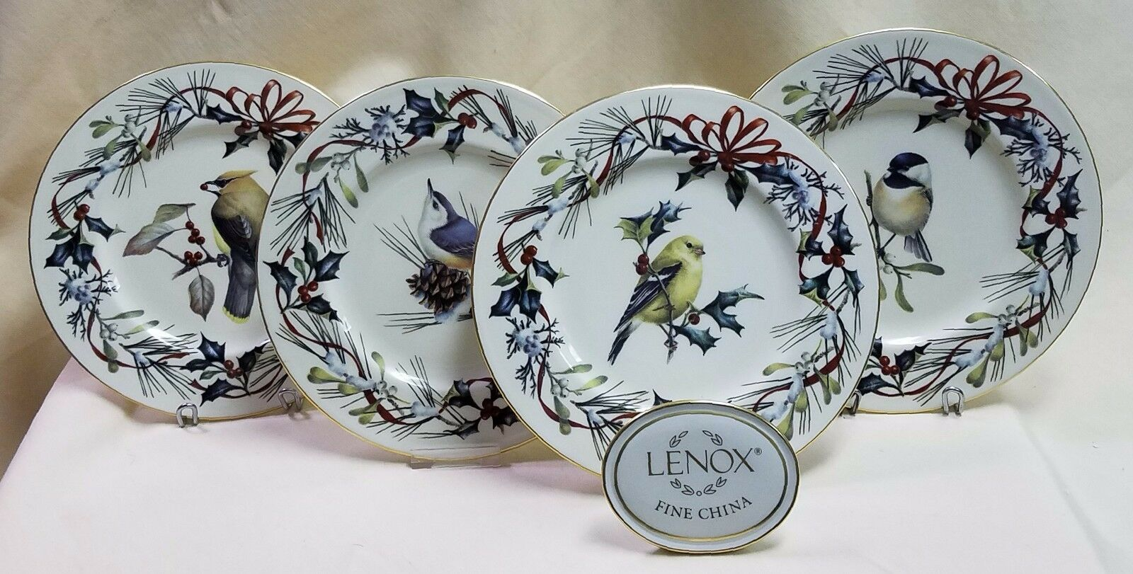 LENOX WINTER GREETINGS Plate Goldfinch, Chickadee, Nuthatch, Or Cedar Waxwing 9  - $59.95