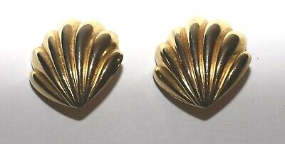 Vintage Paolo Gucci Shell Shaped Ridged Gold Tone Clip On Earrings