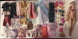 Lots of Barbie Clothing!!