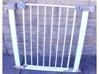 "CHILD SAFETY GATE A ""SAFETY 1st"" Child Safety Gate.Pressure Fit Type, ALL Fittings Included."