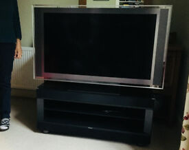 SONY 46' LCD TV + Official Sony TV stand with integrated surround sound! (FREE EDINBURGH DELIVERY!))
