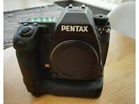 Pentax K5ii WR 'all weather' camera & Pentax D-BG4 battery grip