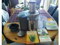 Sage Nutrition juicer Plus by Heston Blumenthal plus 4 juicing-health books