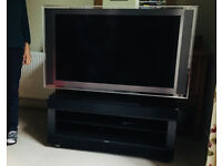 SONY 46' LCD TV + Official Sony TV stand with integrated surround sound! (FREE EDINBURGH DELIVERY)
