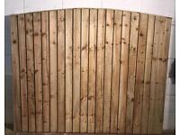 Heavy duty bow top feather edge fence panels