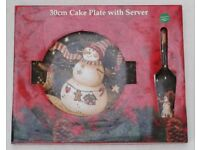 Large 30 cm CHRISTMAS CAKE PLATE with SERVER. Brand New.