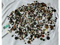 Huge collection of antique / vintage / retro / Bon Accord buttons