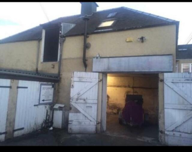 Garage workshop and office in davidsons mains edinburgh. in
