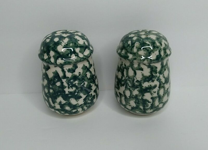 Tienshan Folkcraft Salt & Peppers Shaker Set Moose Country Green Apple Sponge