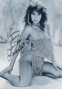 LINDA-LUSARDI-signed-12X8-photo-PAGE-3-GLAMOUR-MODEL-COA